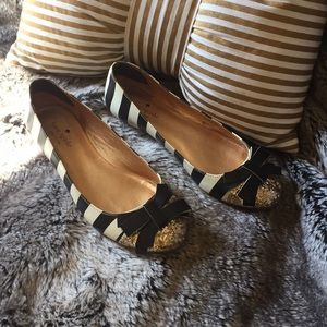 Cutest Kate spade black and white stripe flats